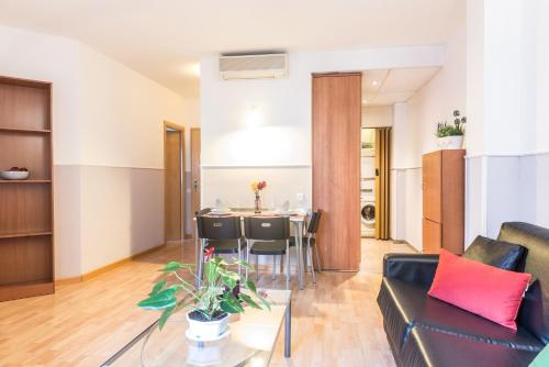 Apartments Sata Park Guell Area photo 18