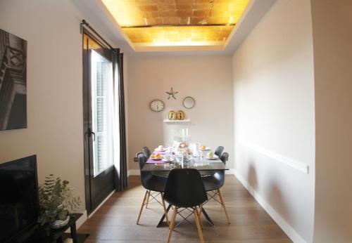 AinB Eixample-Miro Apartments photo 60