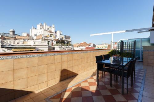 LetsGo Sagrada Familia Penthouse photo 46
