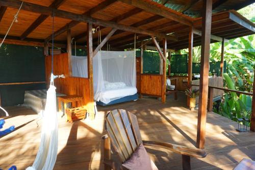 Lookout Inn Beach Rain-forest Eco Lodge Photo