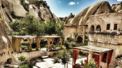 Ortahisar Queen's Cave Cappadocia tek gece fiyat