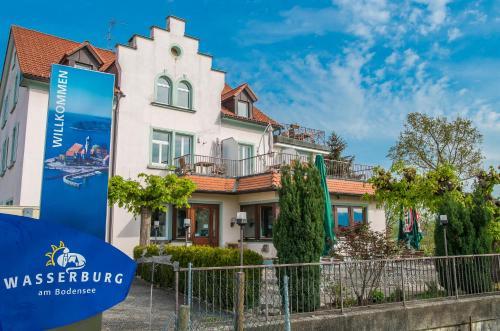 See Hostel Wasserburg Am Bodensee Hotel Ellgassen In Germany