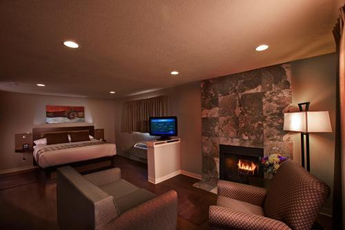 Hotel At Waterwalk - Wichita, KS 67213
