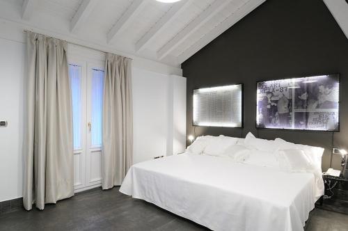 Habitación Triple con terraza Aldori Landetxea 1