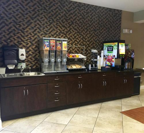 Microtel Inn & Suites by Wyndham Perry Photo