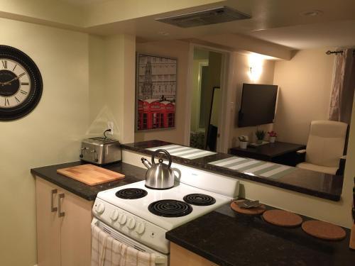 Park Avenue Suites - Ottawa, ON K2P 1B2