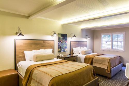 Fredericksburg Inn And Suites - Fredericksburg, TX 78624
