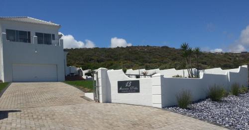 Seaview Villa Photo