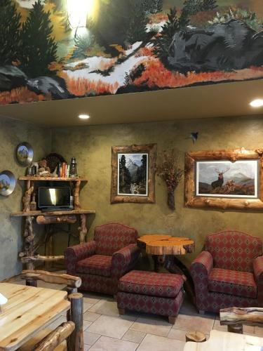 Browns Canyon Inn - Salida, CO 81201