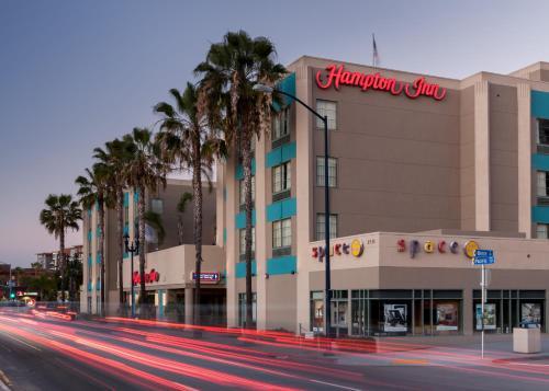 Hampton Inn San Diego Downtown Photo