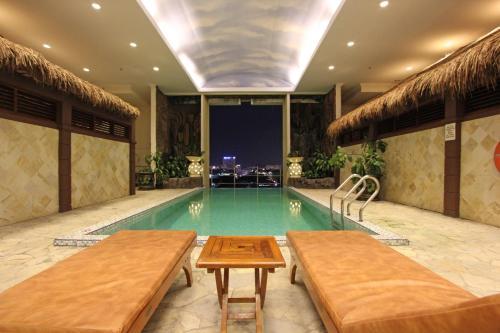 Harmoni Suites Hotel photo 4