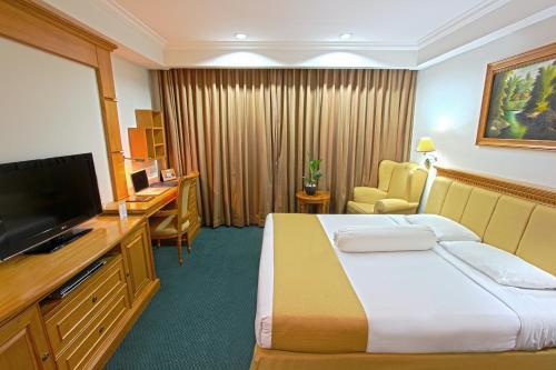 Harmoni Suites Hotel photo 8
