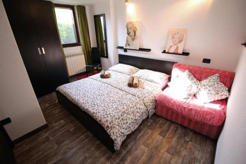Apartments Nevija