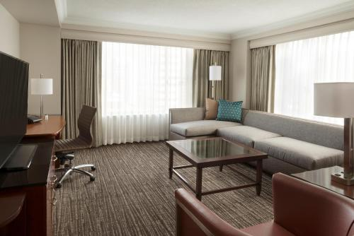 Marriott Downtown at CF Toronto Eaton Centre photo 15