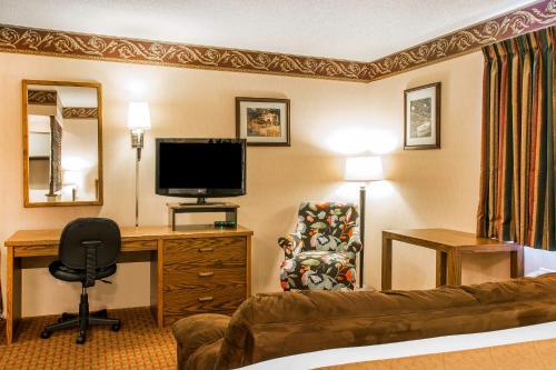 Quality Inn Saint Ignace Photo