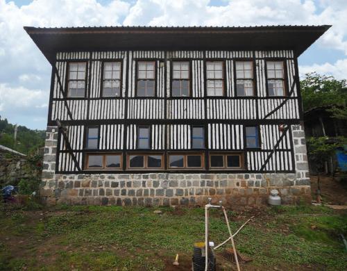 Kireçlik Berona Köy Evi odalar