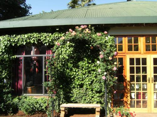 Village Green Guest House Photo