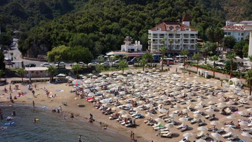 Icmeler Hotel Chateau de Ville yol tarifi