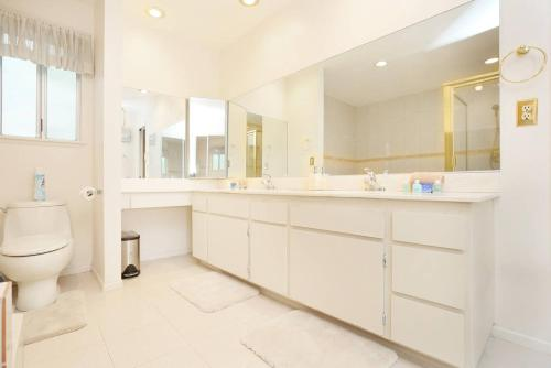 5 Bedroom House In Jacmar Court Las Vegas