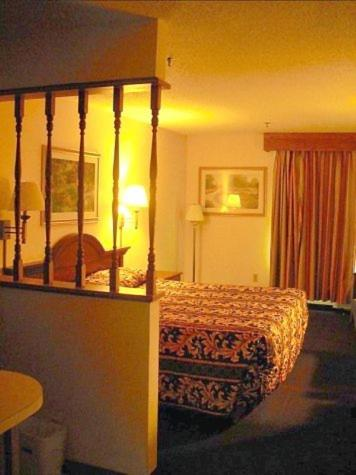 Ashburn Inn - Ashburn - Ashburn, GA 31714