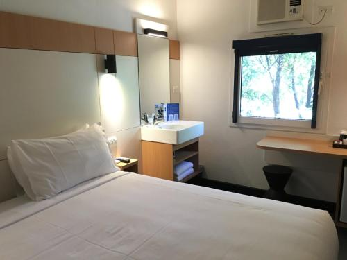 ibis Budget - Enfield photo 22