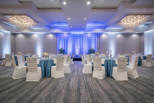 Hilton Minneapolis Bloomington - Bloomington, MN 55437