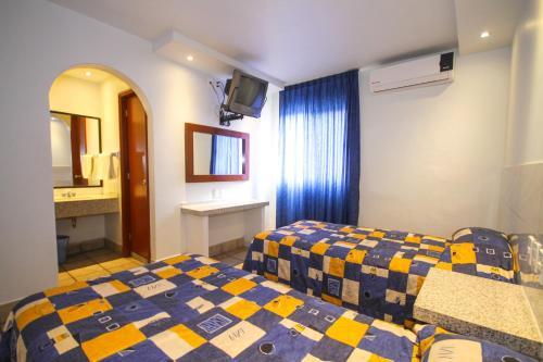 Hotel Arboledas Industrial Photo