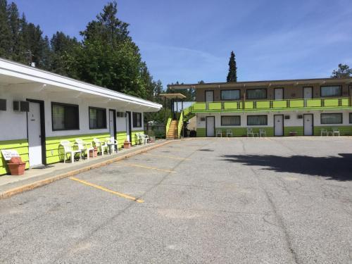 The Cedars Motel - Princeton, BC V0X 1W0