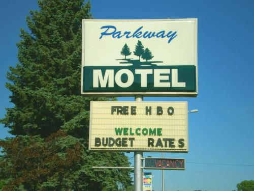 Parkway Motel Red Wing - Red Wing, MN 55066