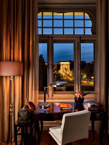 Four Seasons Hotel Gresham Palace - 32 of 96