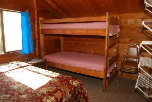 La Conner Camping Resort Cabin 11 - La Conner, WA 98257