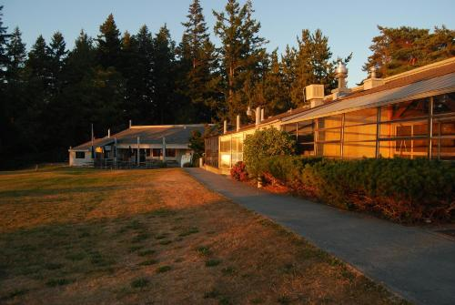 La Conner Camping Resort Wheelchair Accessible Cabin 16 - La Conner, WA 98257
