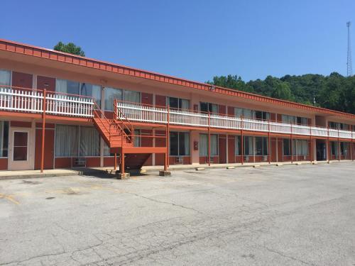 Daniel Boone Motor Inn - Pikeville, KY 41501