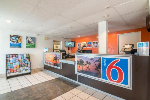 Motel 6 Ventura Beach Photo