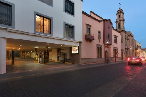 Ramada Plaza León Photo