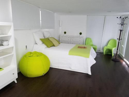 Modern Cabin 1 - Miami, FL 33182