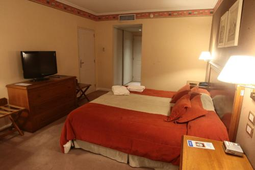 Howard Johnson Villa María Hotel y Casino Photo