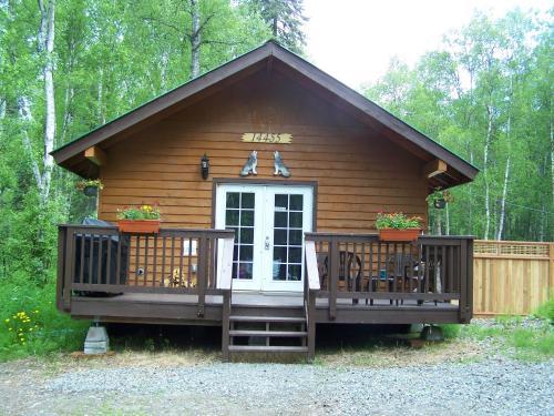 Talkeetna Wolf Den Cabin Photo