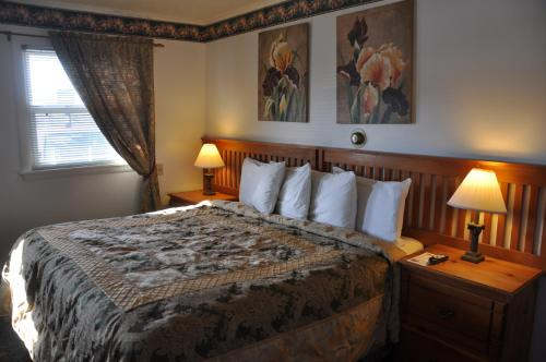 Axell's Scandinavian Inn - Manchester, ME 04351