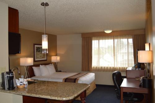Best Western Cascadia Inn Photo