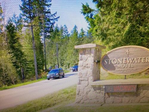Stonewater Motel - Madeira Park, BC V0N 2H1