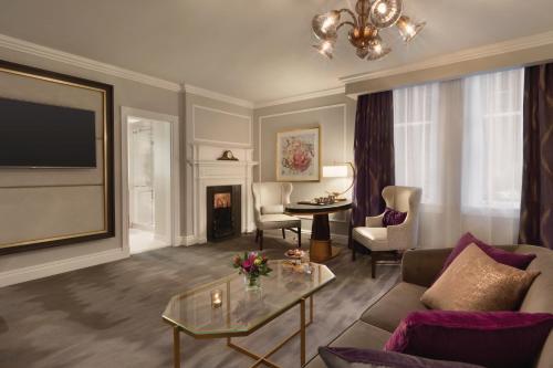 Fairmont Empress Hotel Photo