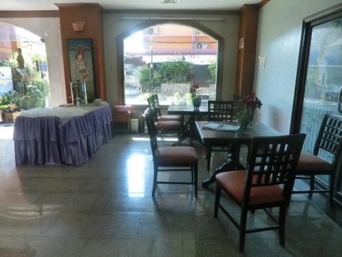 Ayutthaya Thenee Hotel photo 16