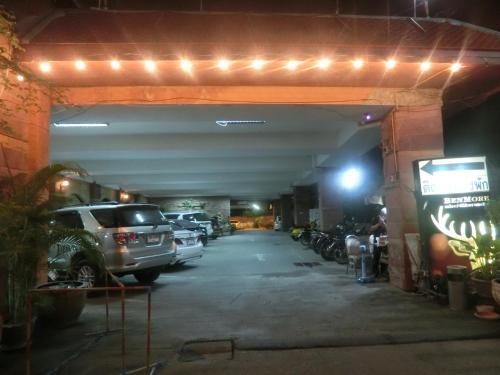 Ayutthaya Thenee Hotel photo 17