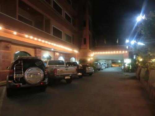 Ayutthaya Thenee Hotel photo 26