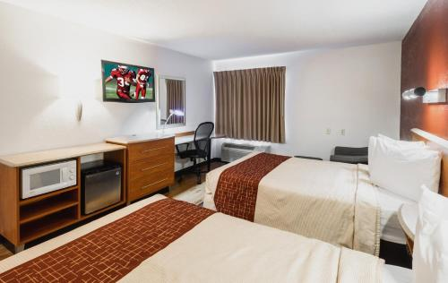 Red Roof Inn & Suites Savannah Gateway - Savannah, GA 31419