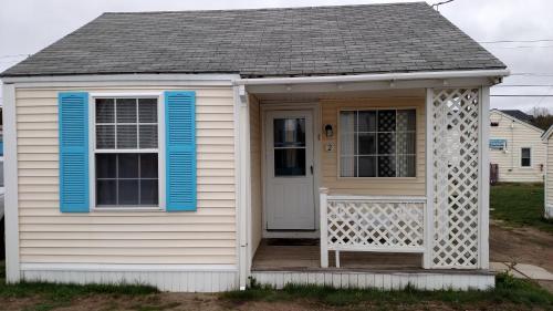 Little Miss Cottages Photo