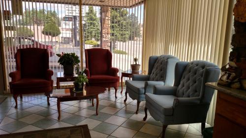 Traveler's Uptown Motel - Colorado Springs, CO 80903