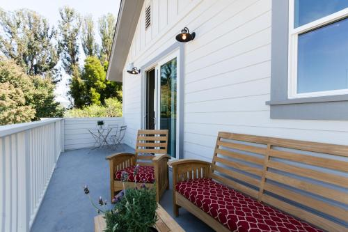Napa Vineyard Inn Photo
