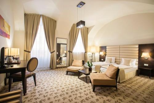 Buda Castle Fashion Hotel - 6 of 37